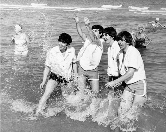 BEATLES  THE SEA CUCHO PEÑALOZA