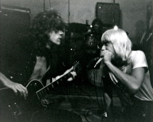 iggy New York Dolls soundcheck at LA where Iggy happened to drop by and started jamming with the boys